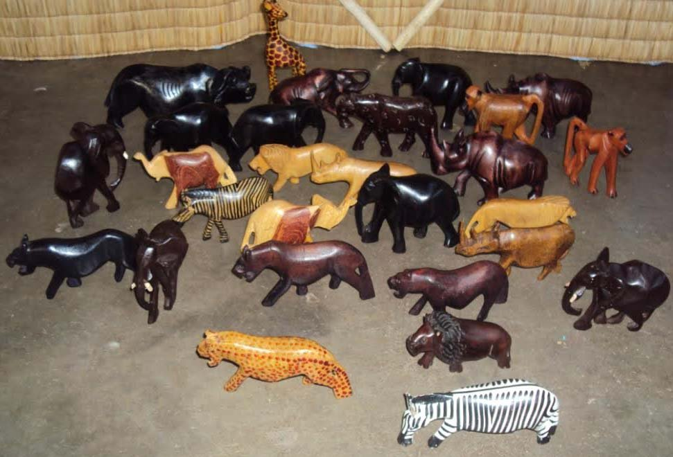 Lot african wooden animals hand carved in south africa